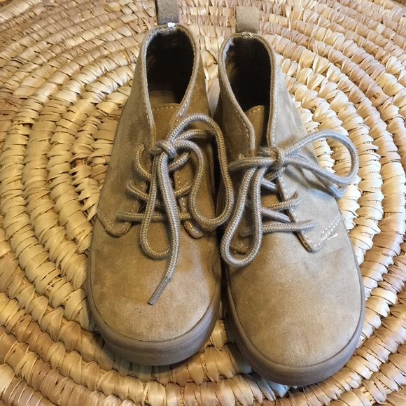 GAP Other - Tot size 9 Gap lace up shoes, super cute for fall!